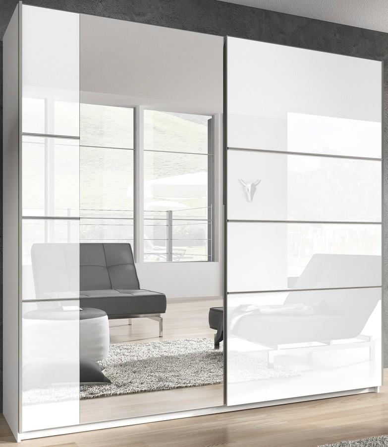 Jaką rolę odgrywa szafa biała w pomieszczeniu?